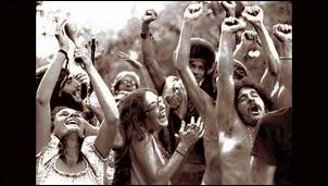 Jeunes hippies à Woodstock
